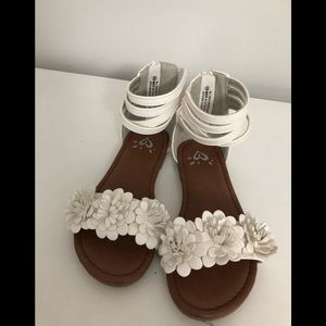 JUSTICE/Girls /Size 12/White Sandals /NWOT